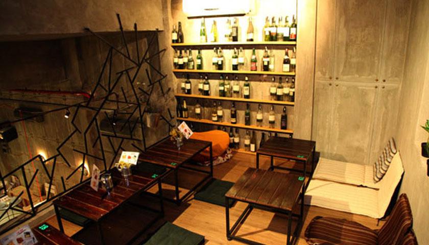  Phong cách trong thiết kế quán cà phê cổ điển thể hiện như thế nào ?